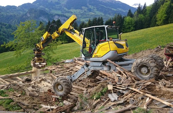 Abbrucharbeiten Menzi Muck Willi Hoch- und Tiefbau AG Schiers Fanas
